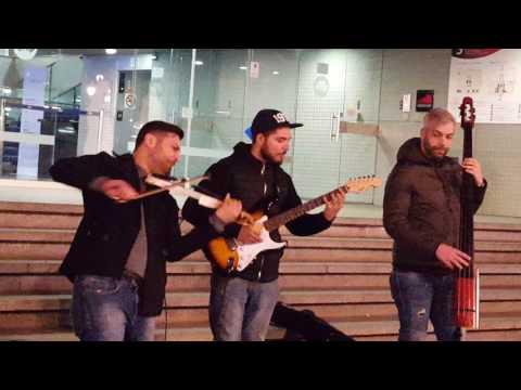 The Passaport in Barcelona - Viva la Vida, Coldplay cover 2/25/17