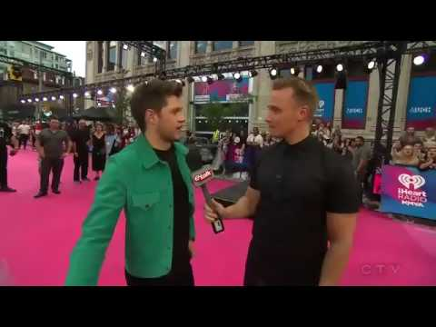 Niall Horan reveals what his favorite Harry Styles Song is at MMVAs