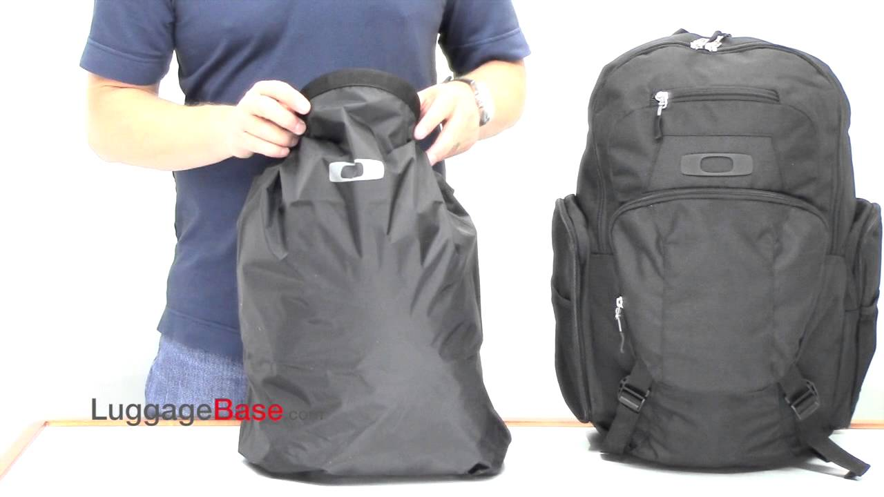 380af5e931a Oakley Blade Wet Dry 30 Backpack Review - LuggageBase.com - YouTube