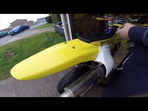 Using WD-40 on your motorbike plastics