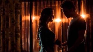 TVD music scene S05x14 örsten-Fleur Blanche Elena (Katherine) and Stefan kiss