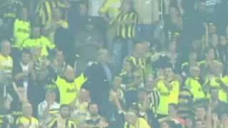 Bir Mahsun MOR Menekşe Ağliyor Mu Ne? :D Fenerbahçe 3 - 1 Galatasaray - 25 Ekim 2009