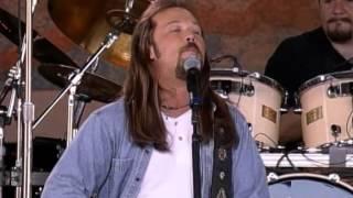Travis Tritt - Ten Feet Tall and Bulletproof (Live at Farm Aid 2000)
