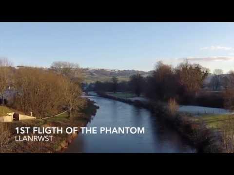 1st Flight of the Phantom - Llanrwst (720p)