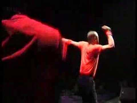 Koffi Olomide & Quartier Latin: LIVE A VIENNES. DANCE SOLO