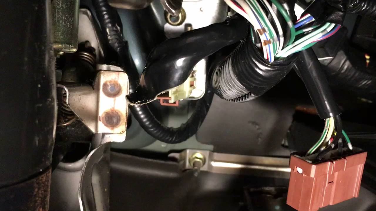 Watch on honda civic relay location