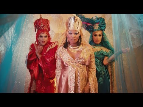 We Three Queens – Manila Luzon, Peppermint & Alaska Thunderfuck
