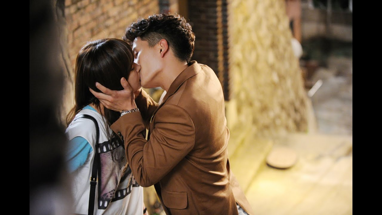 Hyun Bin And Kim Sun Ah Kissing - YouTube