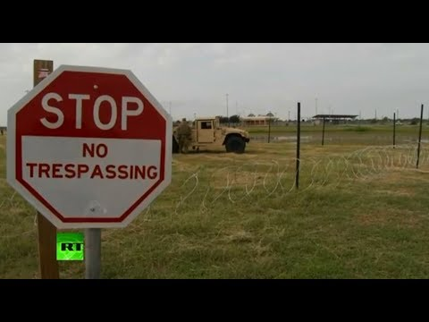 US troops set up razor wire on US-Mexico border in Texas