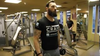 Тренировка бойца MMA: Пол Крейг, сгибания на бицепс