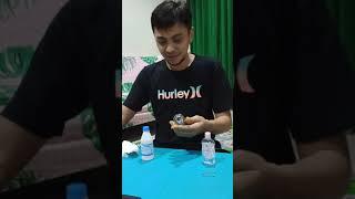 Cara membuat hand sanitizer yang mudah, murah dan dibuat di rumah. siapkan bahan baham berikut: 1. alkohol 70 % sejumlah 100 ml 2. baby oil 10 3....