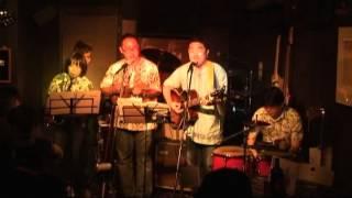 2013年4月20日、千葉市中央区新宿のエイトビートでのライブ模様 ビリ~...
