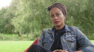 Скачать Zadie Smith Interview On Shame Rage And Writing