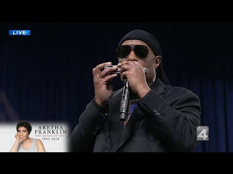 Stevie Wonder performs at Aretha Franklin's funeral