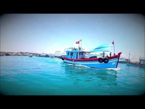HOMELAND: Phu Quy Island Vietnam (viet kieu ve que)