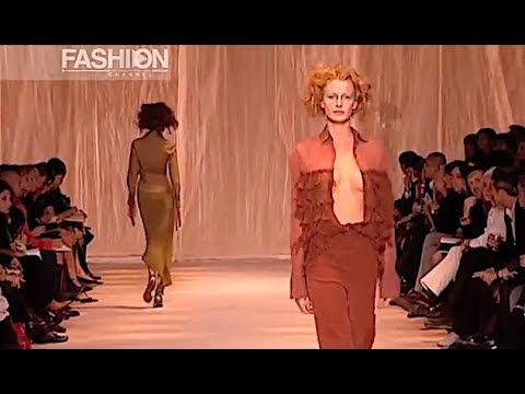 ROMEO GIGLI Spring Summer 2002 Milan - Fashion Channel - 동영상