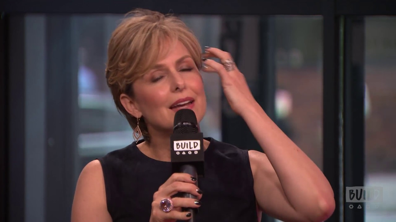 "Melora Hardin Chats About ""The Bold Type"" - YouTube"
