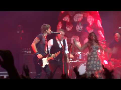 Keith Urban, Jessica Mauboy & Jimmy Barnes - It's a Long Way To The Top, 21 Jun 14