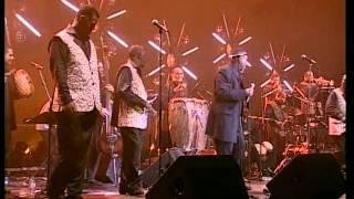 """AFRICANDO AU ZENITH DE PARIS LIVE""""GROG MWEN-GUANTANAMERA"""" chant SHOUBOU"""