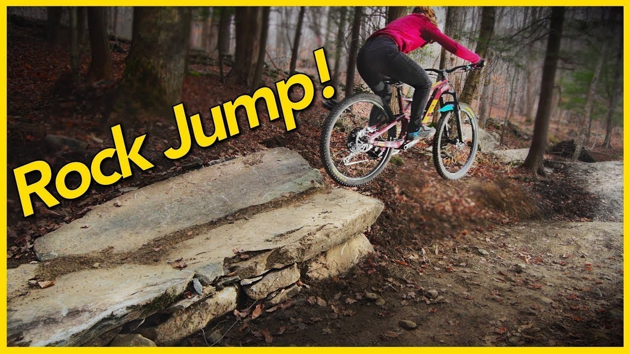 Building a Mini Rock Sender in Our Backyard Bike Park!!