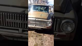 1965 International D1100 cold start pt.1