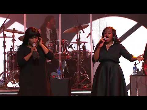 Cece Winans Sings Hey Devil! At Love Life Women's Conference