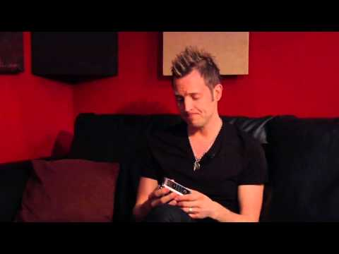 Lincoln Brewster talks about the Roland R-05