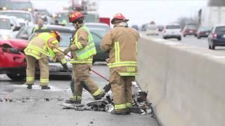 Forty car wreck closes I-75