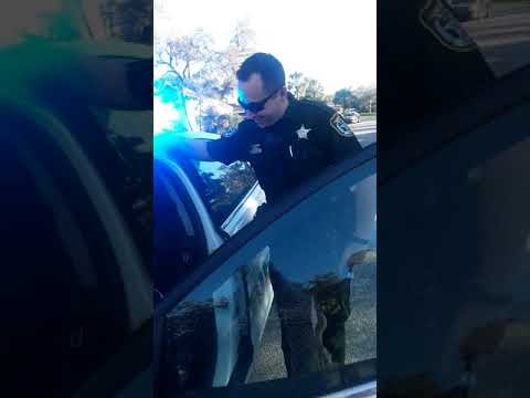 3 yr old boy calls 911 and police officer's respond