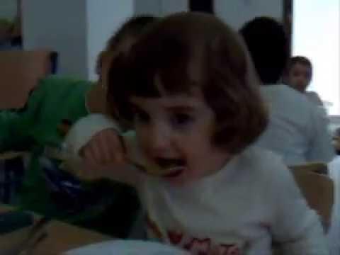 Un d a en el comedor escolar youtube for Comedor escolar
