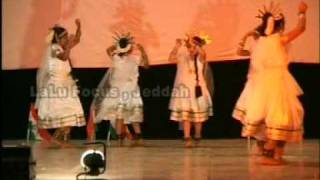Swathi and group dancing on the song I LOVE MY INDIA