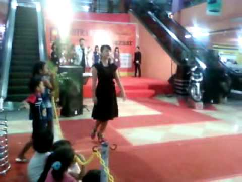 Catwalk at Mitra Mall Batam 25062010