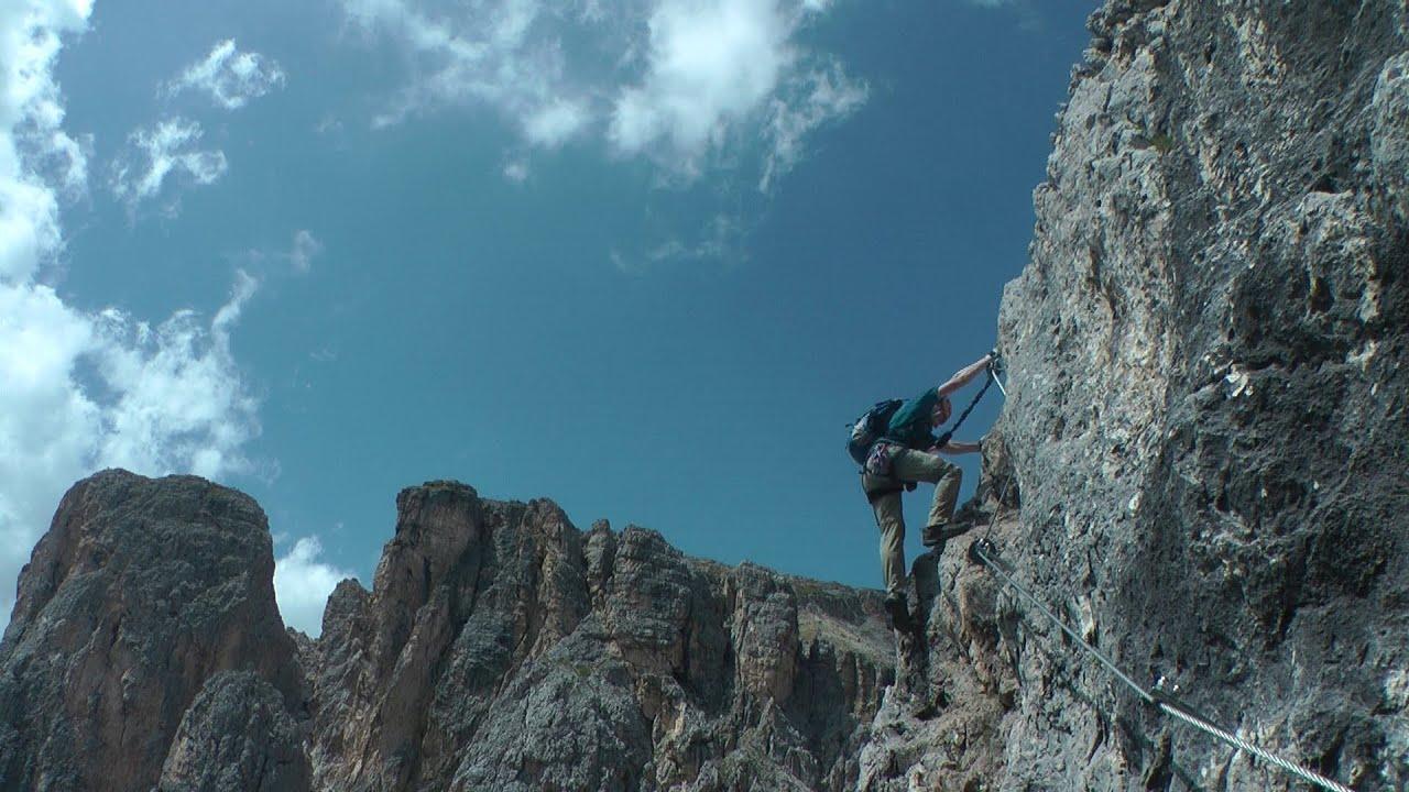 Klettersteig Rating : Sport klettersteig ferrata pyramide in extrem schöner dolomiten