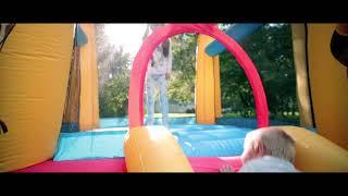 видео Детские надувные батуты для дачи