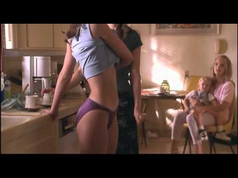 Jennifer_Love_Hewitt-The_Suburbans-01.avi thumbnail