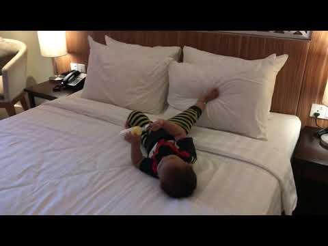 Fasiliatas kamar Hotel Astara Balikpapan tempat Arika and Abo