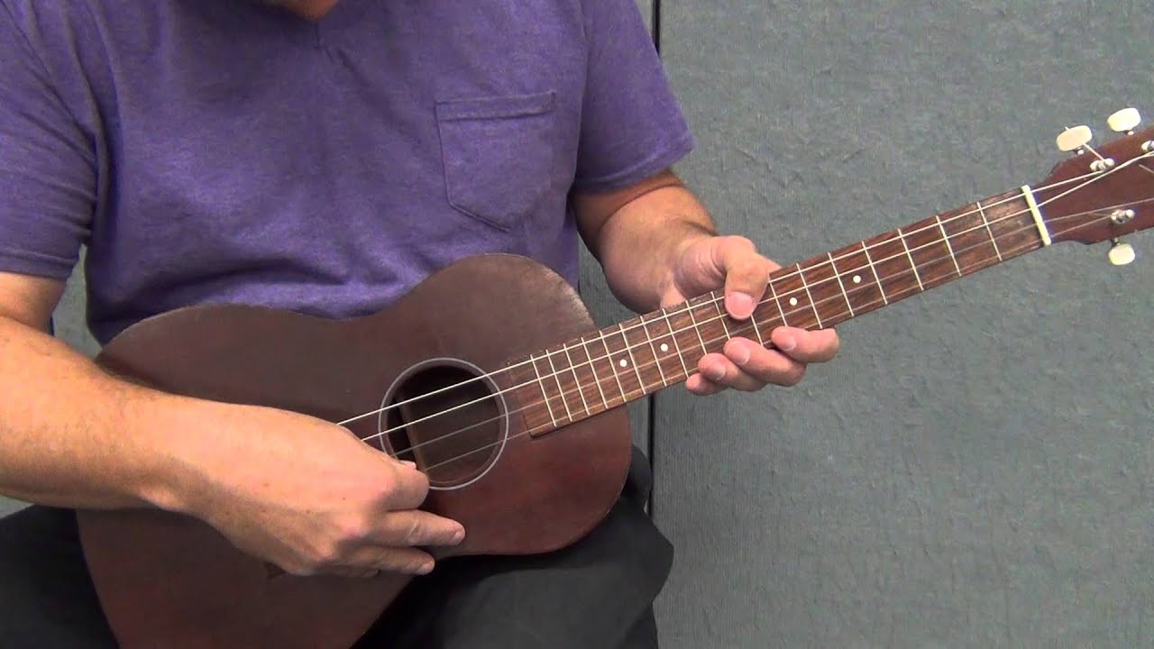 how to tune a baritone ukulele in standard tuning youtube. Black Bedroom Furniture Sets. Home Design Ideas