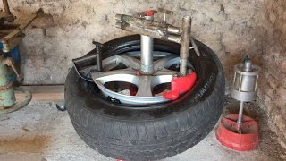 DeМЃmonte pneu manuel. Manual tire changer. VidГ©o 3