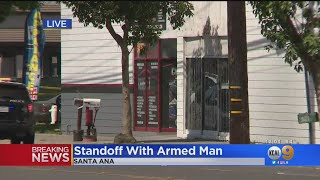 Police In Standoff With Armed Man Holed Up In Santa Ana Auto Parts Store