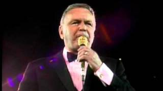 The Lady Is A Tramp - Frank Sinatra | Concert Collection