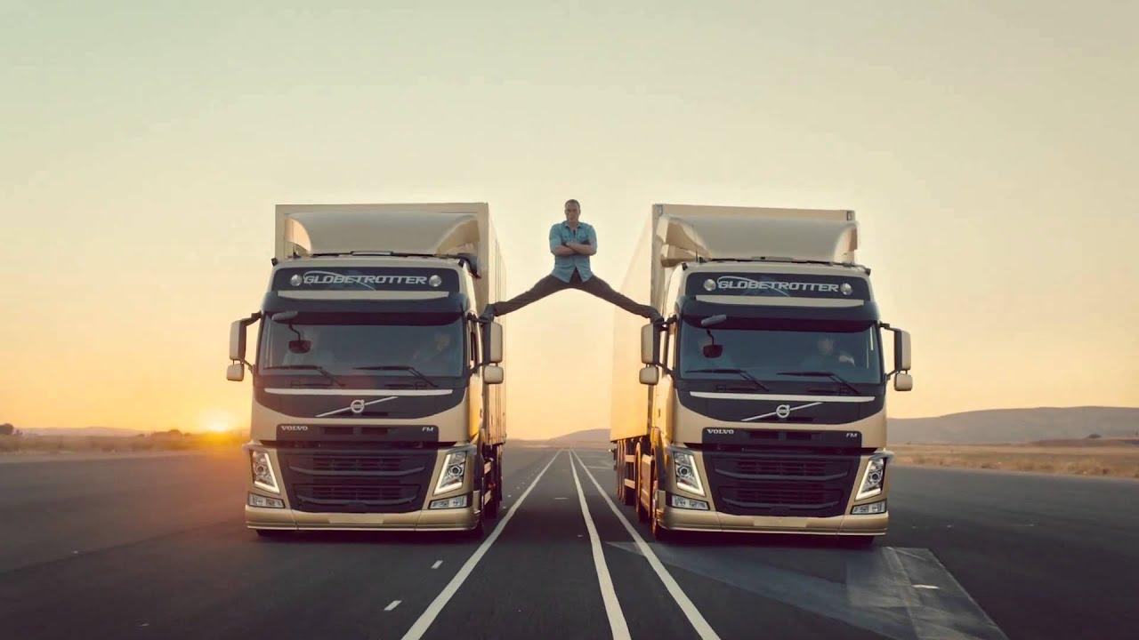 Jean-Claude Van Damme fait le grand écart entre deux ...