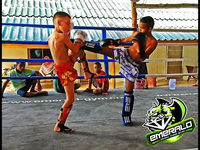 Joseph sparring session I Emerald Muay Thai Gym