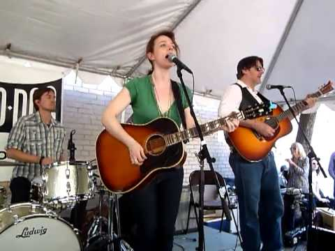 SXSW 2013: Laura Cantrell - Yonder Comes A Freight Train