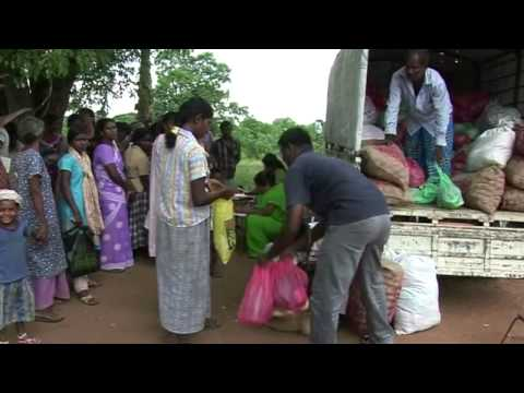 Uprooted Sri Lankans Return Home with UN Help
