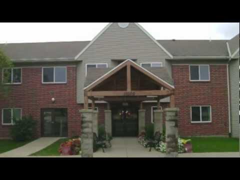 Affordable Senior Living In Milwaukee Area | Courtyard Senior Apartments