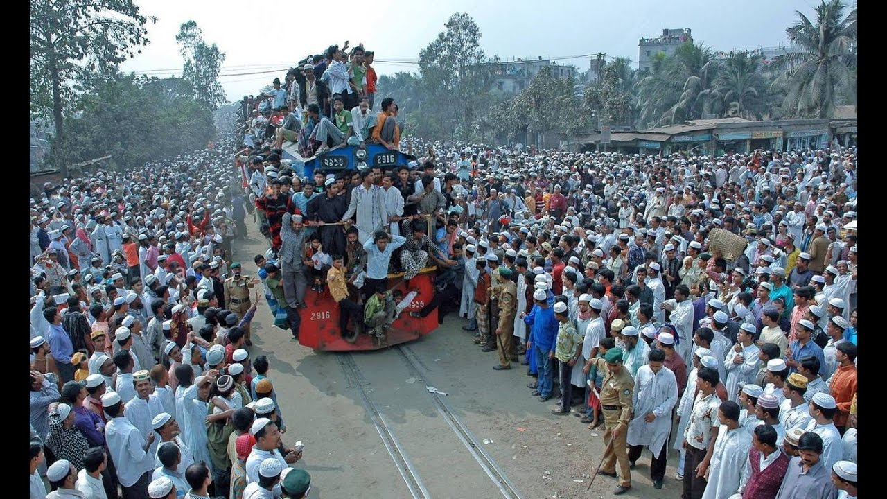 Great Eid Rush On Trains In Bangladesh- 2016 (Extreme Overcrowded Trains Video)