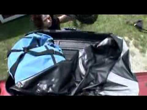 thule ranger 90 cargo bag demonstration youtube. Black Bedroom Furniture Sets. Home Design Ideas