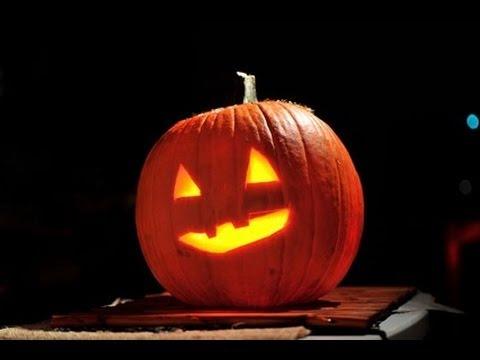 C mo decorar una calabaza de halloween how to carve a halloween pumpkin youtube - Decorar una calabaza de halloween ...