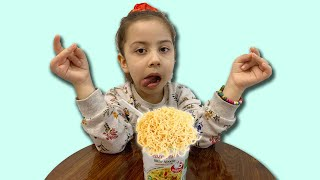 The story of children who want to share noodles