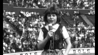 Gambar cover Wilma - Een klomp met een zeiltje (Olympisch Stadion 1969)